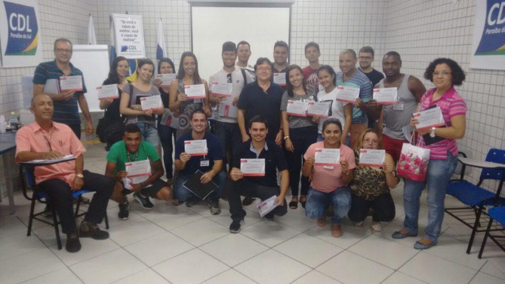 Na semana de lançamento da Campanha Dezembro Premiado, CDL realiza dois treinamentos de vendas