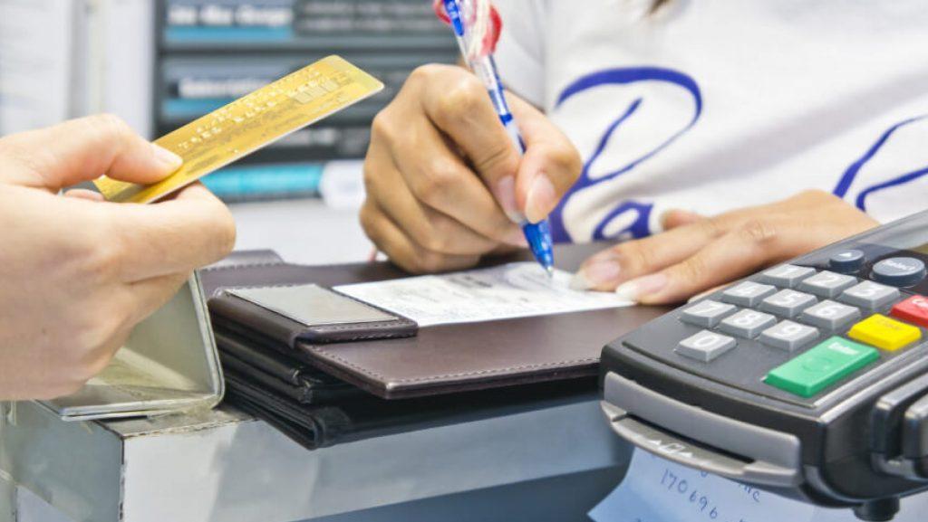 Inadimplência do consumidor desacelera e cresce 0,9% no primeiro semestre de 2019